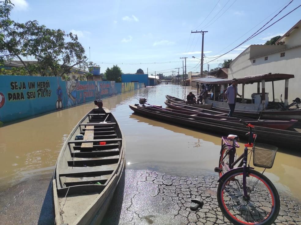 Cheia do Rio Iaco atingiu mais de 17,3 mil pessoas em Sena Madureira — Foto: Quésia Melo/Rede Amazônica