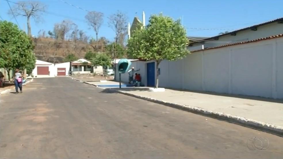Escolas de Aragominas tiveram aulas suspensas (Foto: TV Anhanguera/Divulgação)