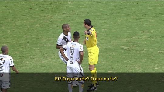 """Leitura labial: Rodrigo nega""""dedada"""", mas bronca de parceiro colabora com árbitro"""
