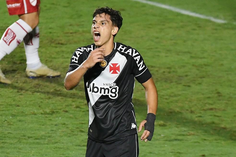 Sarrafiore não joga há mais de um mês — Foto: Alexandre Durão