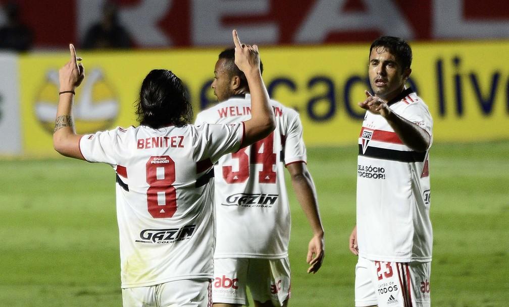 São Paulo x Cuiabá: Benítez comemora seu gol no jogo — Foto: Marcos Ribolli