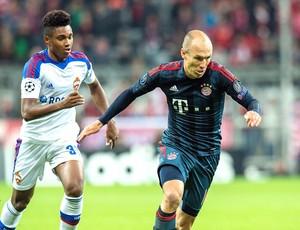 Robben e Vitinho jogo Bayern de Munique contra CSKA (Foto: EFE)
