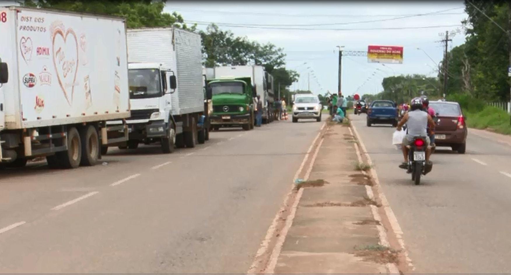 Protesto de caminhoneiros segue para o 3º dia no Acre e três rodovias continuam fechadas