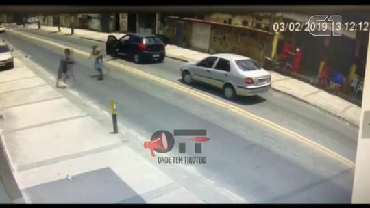 Homem morre ao entrar em luta corporal com assaltante na Baixada Fluminense