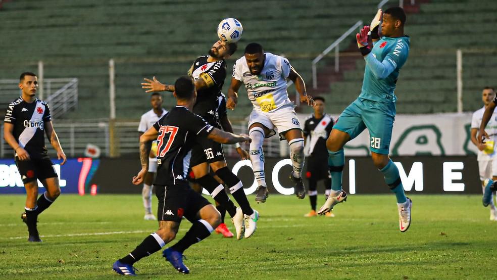 Caldense e Vasco empataram por 1 a 1 e o time carioca se classificou para a segunda fase da Copa do Brasil — Foto: Renan Muniz / Caldense