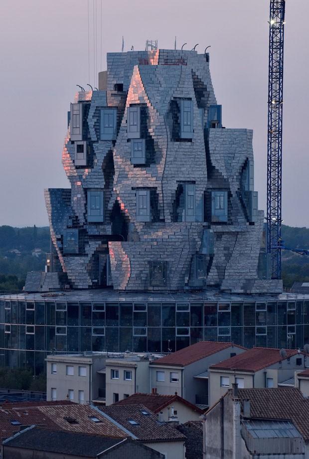Torre de alumínio projetada por Frank Gehry toma forma na França (Foto: Divulgação)
