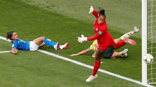Bárbara em ação durante Austrália x Brasil