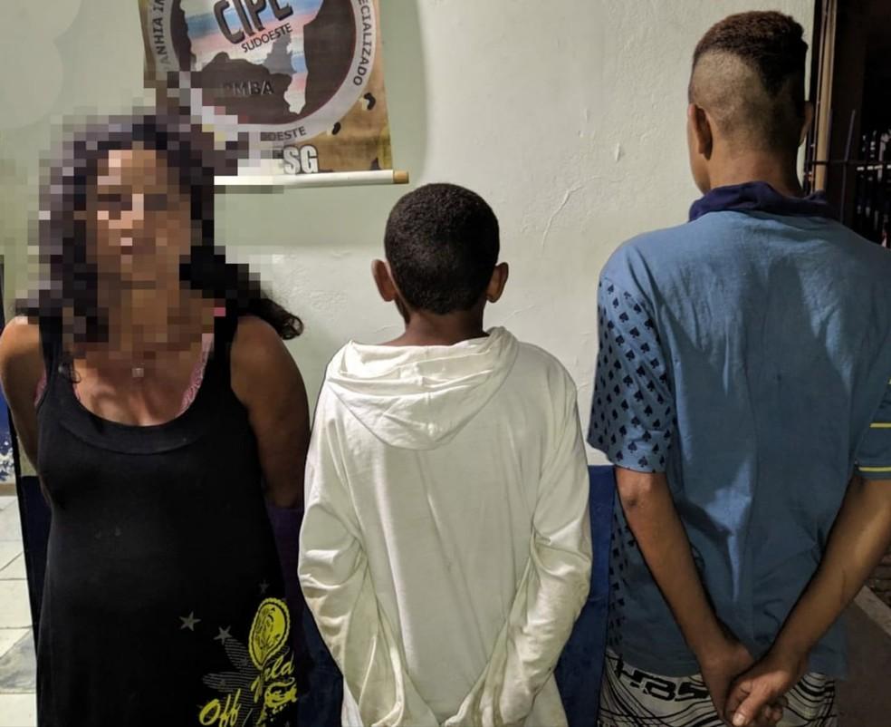 Mulher é presa suspeita de estuprar garoto de 12 anos — Foto: CIPE Sudoeste/ Polícia Militar