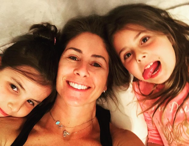 Patricia Maldonado com as filhas (Foto: Reprodução Instagram)