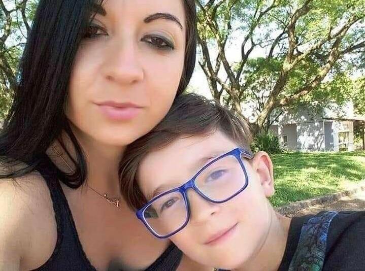 Mãe suspeita de matar filho no RS acessou 'vídeos com cenas de sexo e estrangulamento por corda' no dia do crime, diz delegado