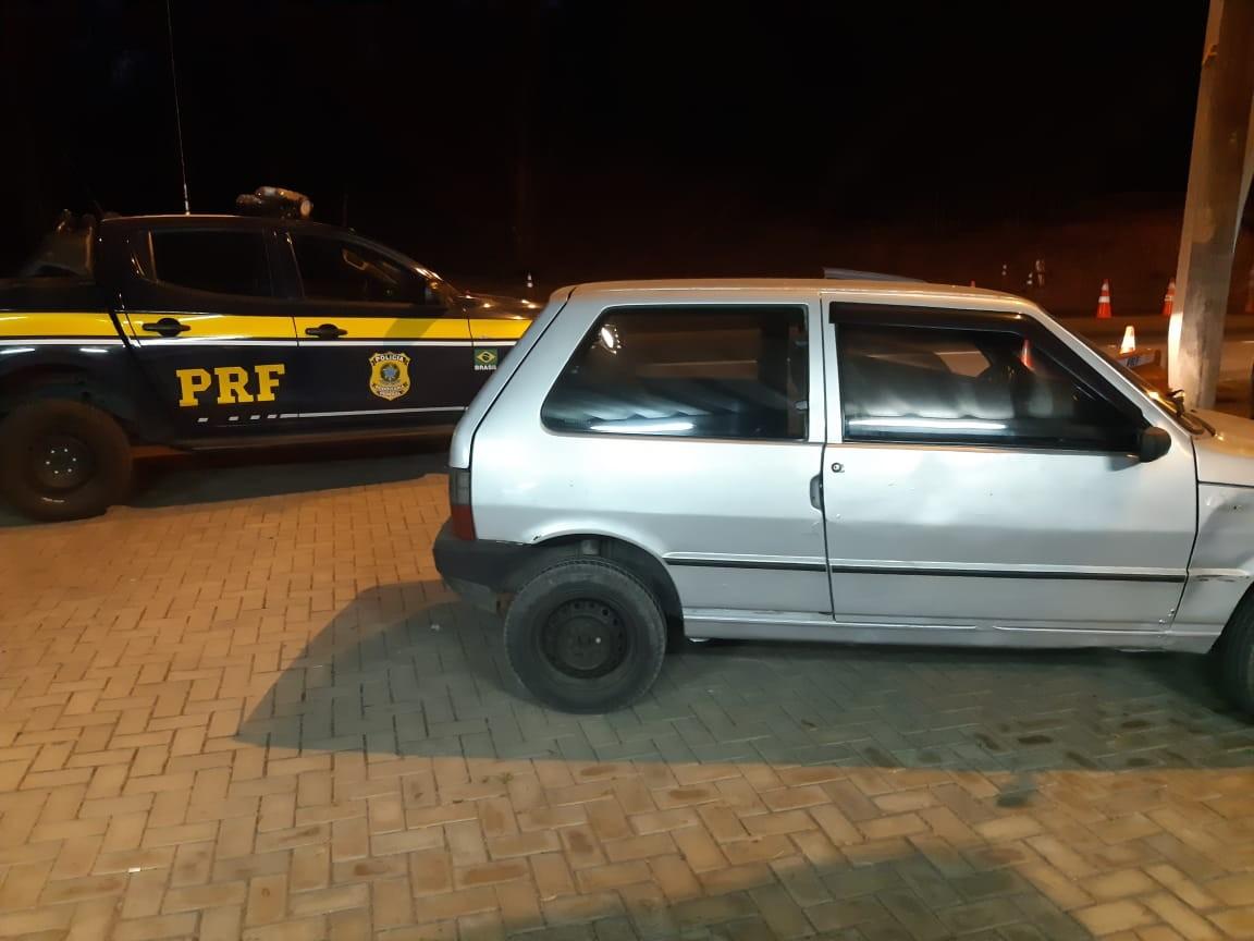 PRF recupera na BR-393, veículo furtado há mais de seis meses em Volta Redonda - Notícias - Plantão Diário
