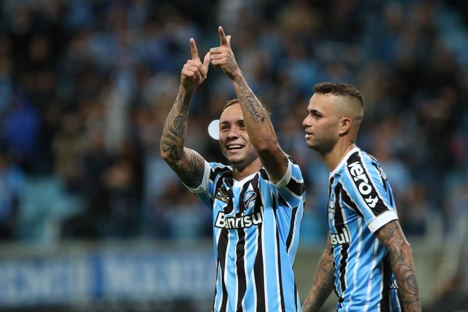 Na mira do Cebola: artilheiro do Grêmio, Everton alcança melhor fase da carreira
