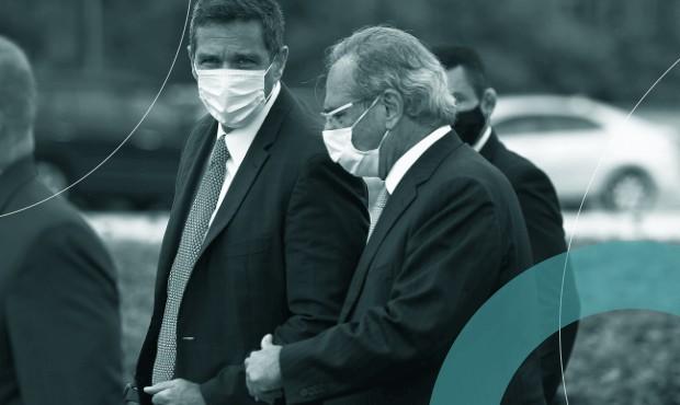 Presidente do Banco Central, Roberto Campos Neto, com o ministro da Economia, Paulo Guedes, em cerimônia de hasteamento da bandeira: se inflação ficar fora da meta, um terá de mandar carta para o outro