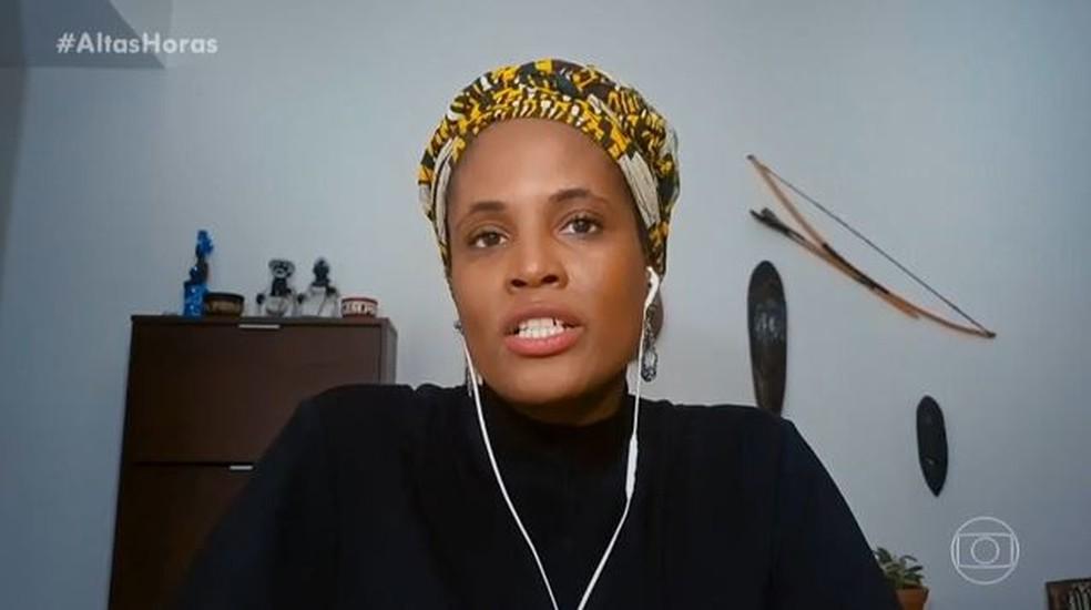 A filósofa Djamila Ribeiro fala sobre racismo no 'Altas Horas' — Foto: Globo
