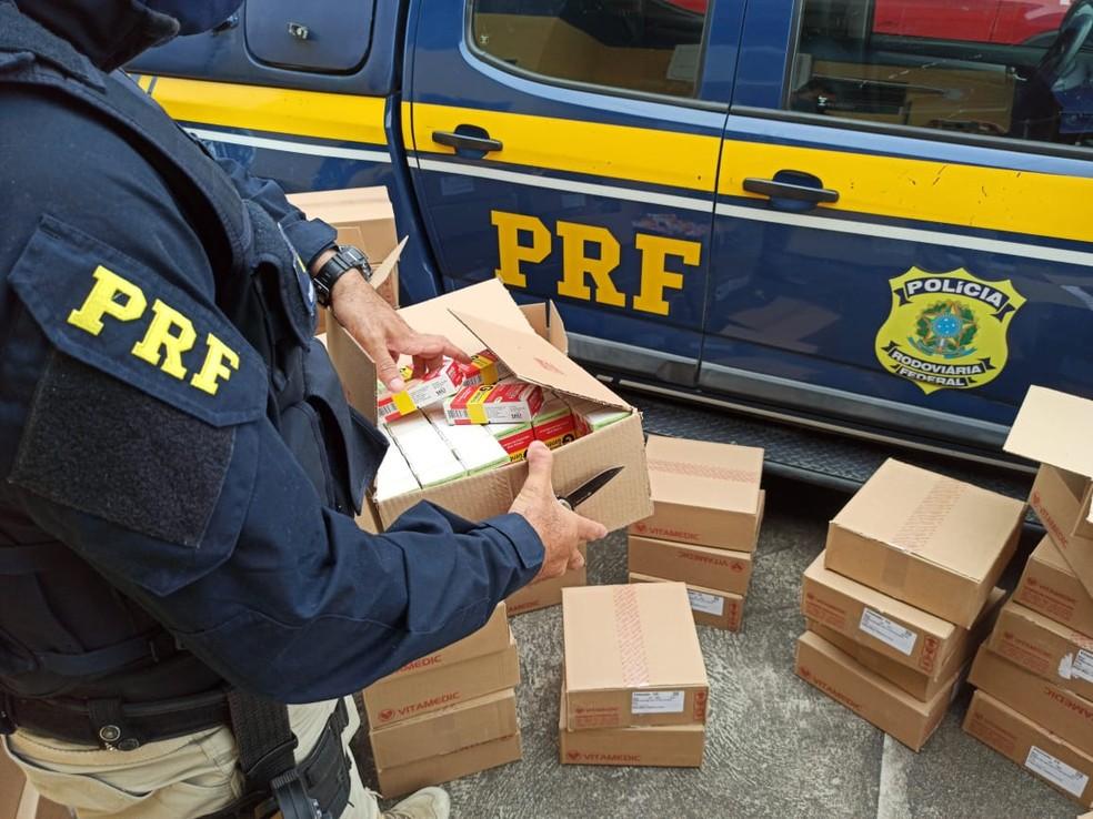 Droga será entregue à Vigilância Sanitária — Foto: Divulgação/PRF
