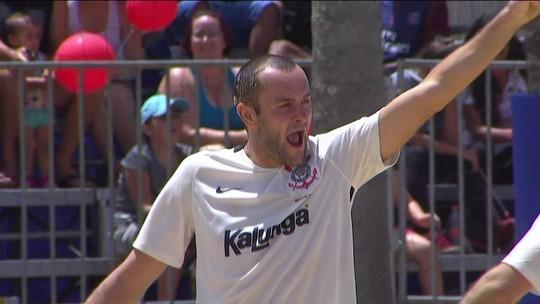 Corinthians bate Flamengo e fica com o 3º lugar no Mundialito de Clubes