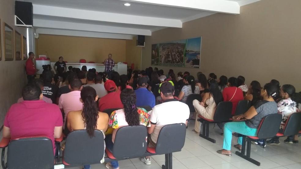 Professores municipais de Jussara entram em greve após atrasos de salários — Foto: Divulgação/APLB
