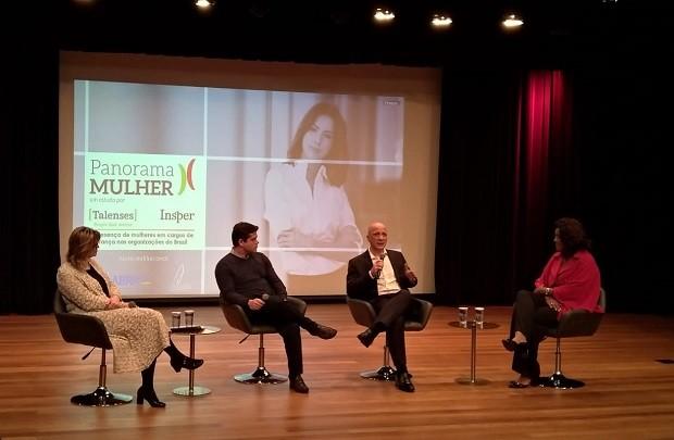 Coordenadores e convidados discutem durante apresentação do Panorama Mulher 2018 (Foto: Época NEGÓCIOS)