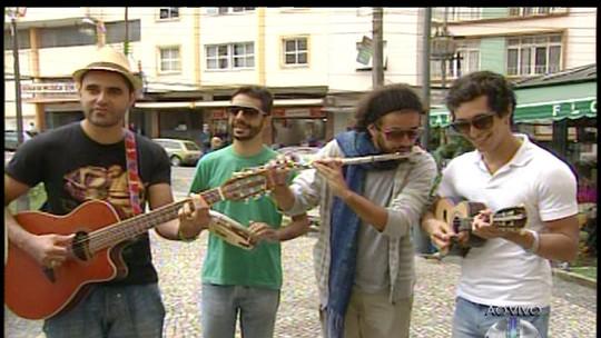 Grupo de samba de Petrópolis presta homenagem ao cantor Emílio Santiago