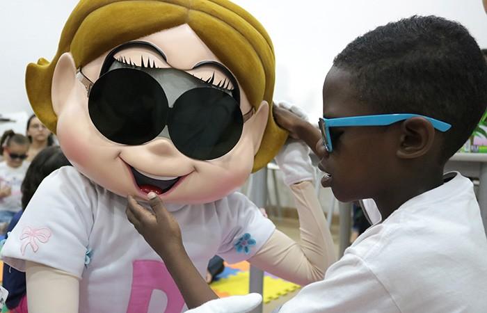 Evento de lançamento do livro teve presença de crianças (Foto: Divulgação - Fundação Dorina Nowill para Cegos)