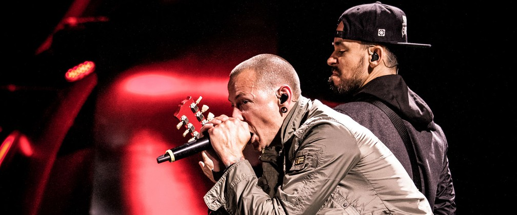 Chester Bennington: Mike Shinoda lamenta morte de companheiro de Linkin Park; 'Coração partido'