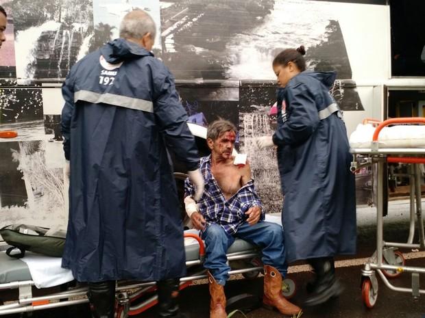 Cinco vítimas foram levadas para a Santa Casa, diz Polícia Rodoviária (Foto: Ronaldo Moura/Divulgação)