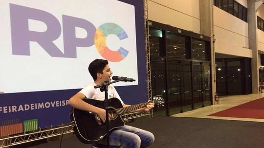 Wagner Barreto faz show em Curitiba e elogia: 'Plateia maravilhosa'