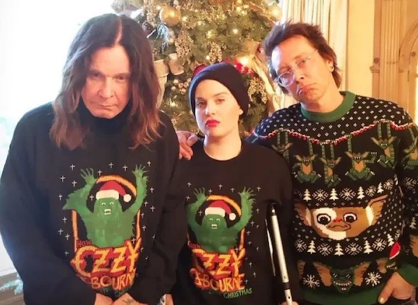Ozzy Osbourne na companhia da filha, Kelly Osbourne, e do músico Billy Morrison (Foto: Instagram)