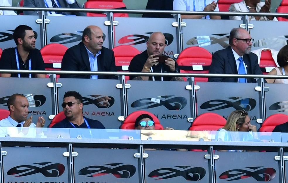 Melhor descansar mesmo, Maradona, a volta para casa vai ser longa (Foto: REUTERS/Dylan Martinez)