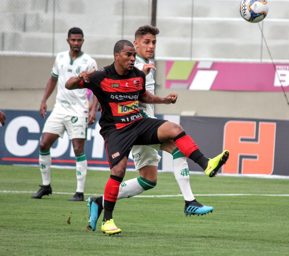 """Mazinho, o """"Messi Black"""", continua sendo a estrela do Oeste — Foto: Jefferson Vieira/ Oeste FC"""