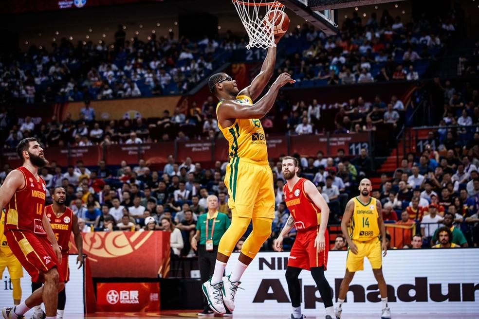 Cristiano Felício foi vital para o novo triunfo do Brasil na China — Foto: Divulgação / FIBA