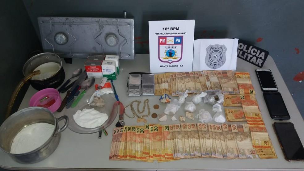 Polícias prendem casal com apartamento cheio de drogas em Monte Alegre — Foto: Polícia Militar/Divulgação