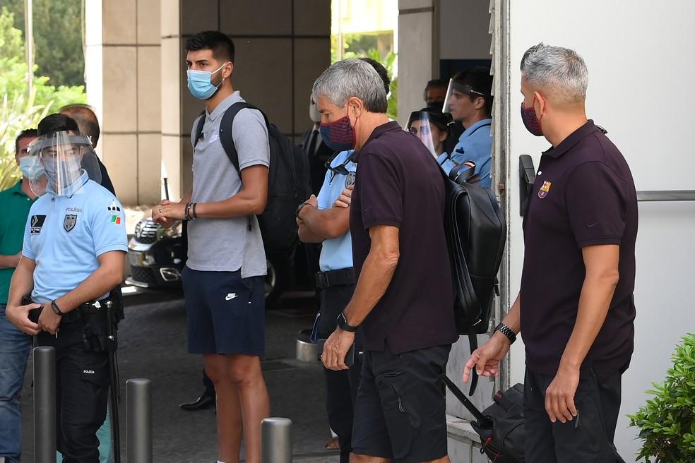 Quique Setién está ameaçado no cargo de técnico do Barcelona — Foto: AFP