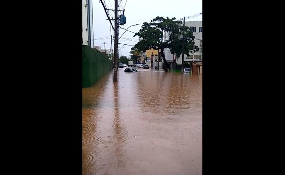 Rua Pará, na Pituba - 23/04 — Foto: Arquivo pessoal