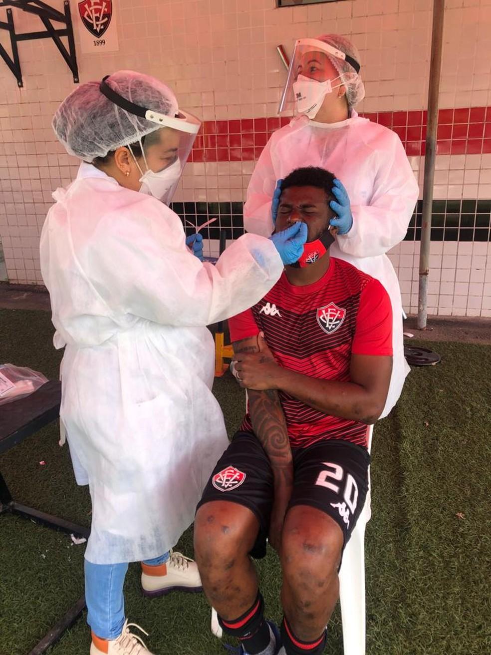 Jogadores passam por nova rodada de exames no Vitória — Foto: EC Vitória / Divulgação