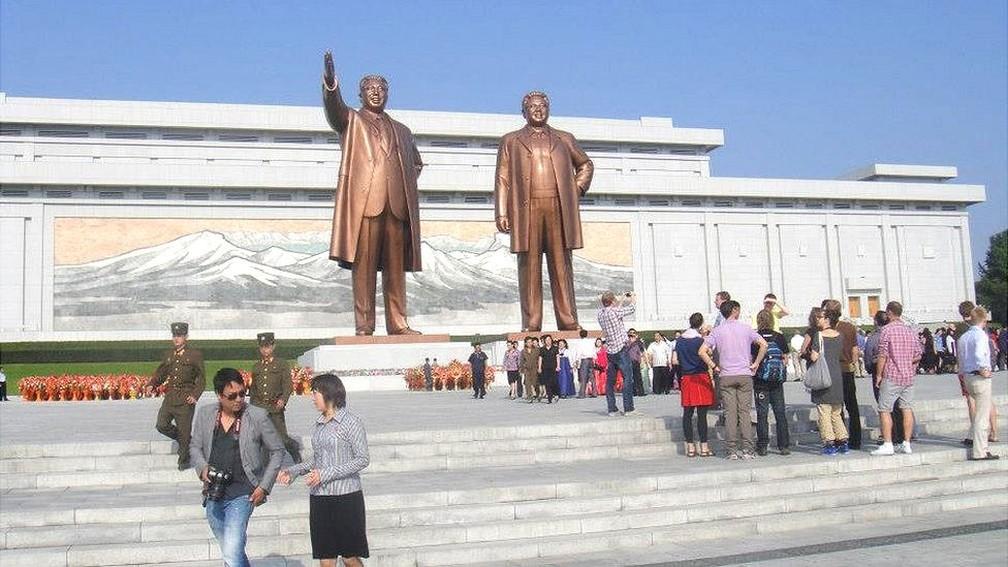 Roteiro de viagem a Coreia do Norte privilegia visitas a parques, fábricas e museus (Foto: Guilherme Bahia/BBC)