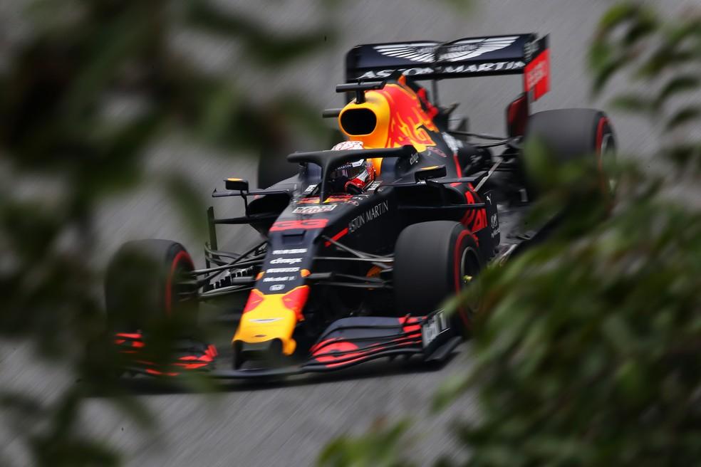 Max Verstappen em Interlagos neste sábado — Foto: Charles Coates/Getty Images