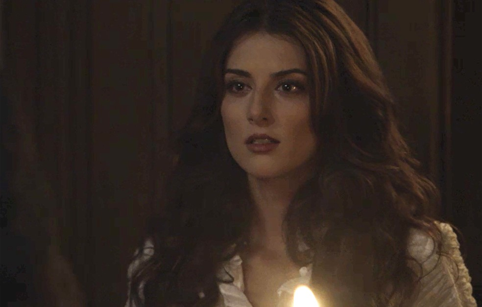 Desta vez, Cecília se antecipa e surpreende Fani (Foto: TV Globo)