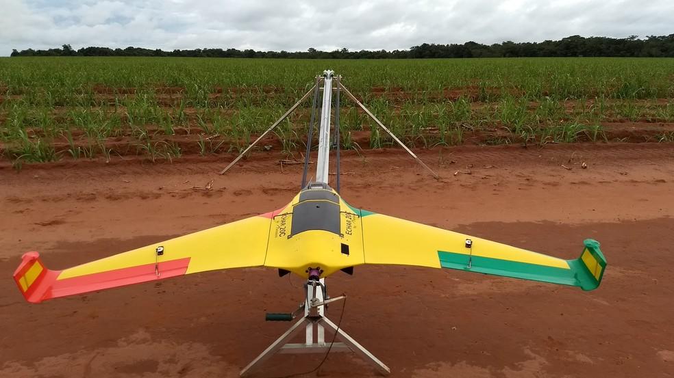 Desde a safra passada (2018/2019), a Atvos utiliza Aeronaves Remotamente Pilotadas (RPA – Remotely Piloted Aircraft) para gerenciamento da qualidade em tempo real nas áreas de plantio — Foto: Atvos/Divulgação