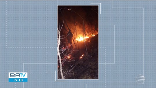 Incêndio atinge Serra da Bandeira, em Barreiras