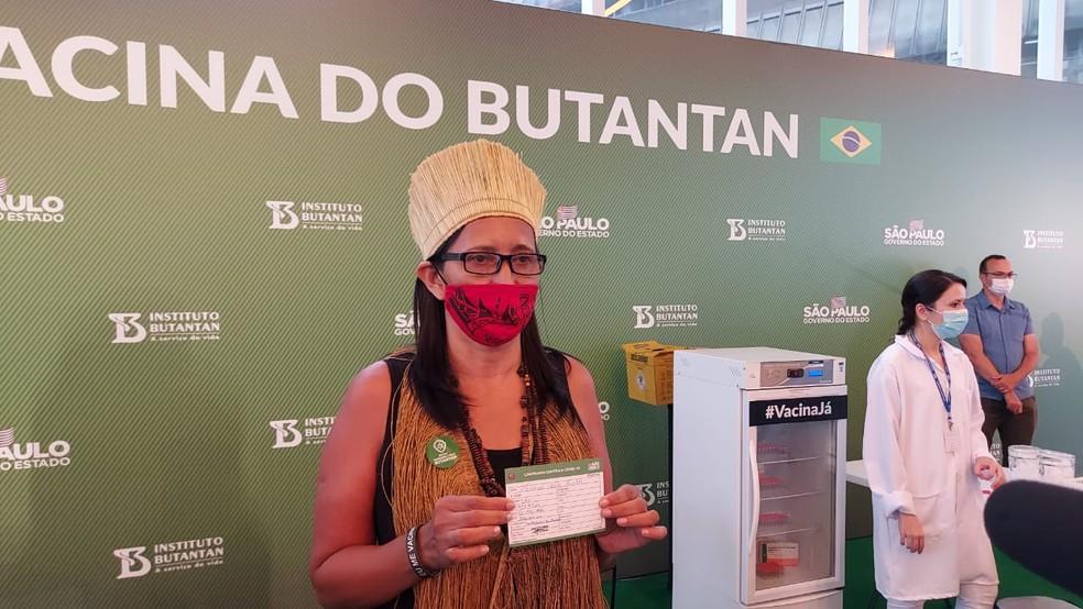Vanusa Kaimbé perdeu dois primos indígenas para o coronavírus e teve sete pessoas infectadas na aldeia onde vive em Guarulhos, na Grande SP. — Foto: Rodrigo Rodrigues/G1