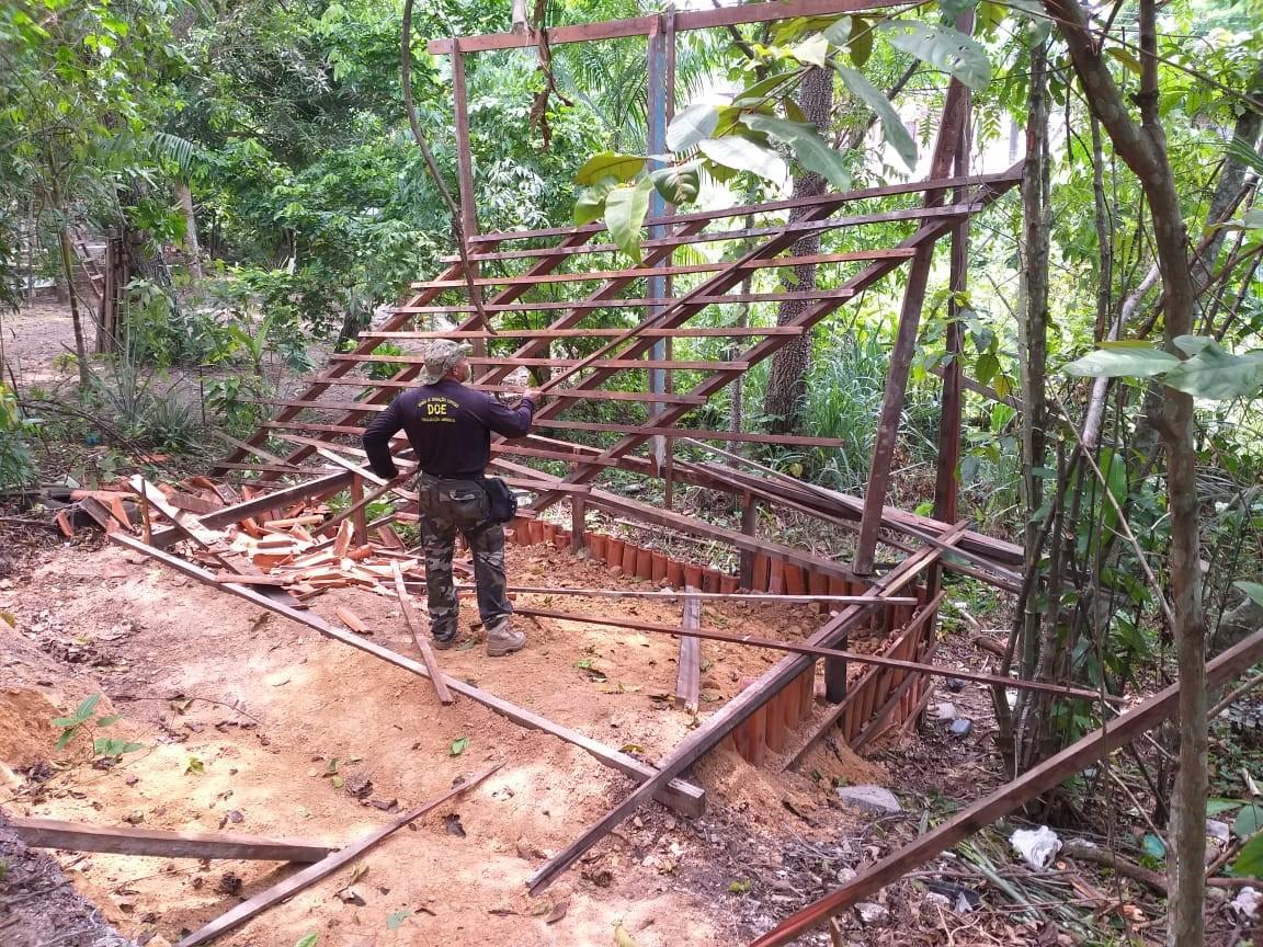 Fiscalização constata ocupação irregular em área verde na Zona Norte de Manaus