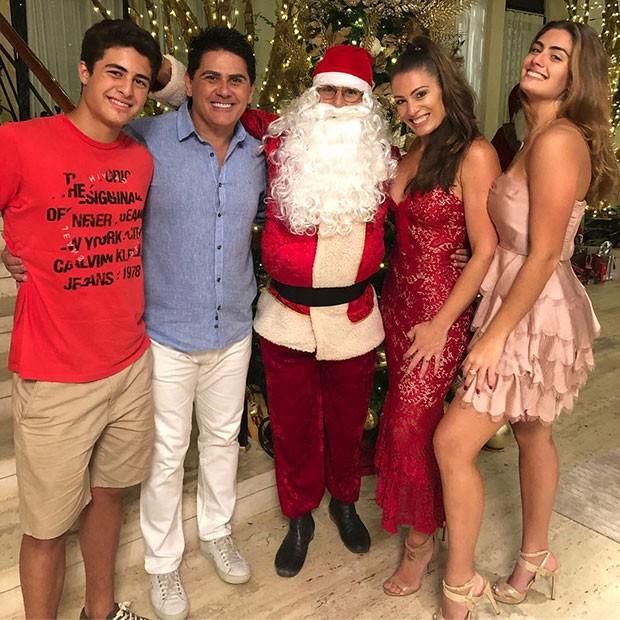 Luigi Lorenzo, Cesar Filho, Elam Lima, Elaine Mickely e Luma Mickely (Foto: Reprodução/Instagram)