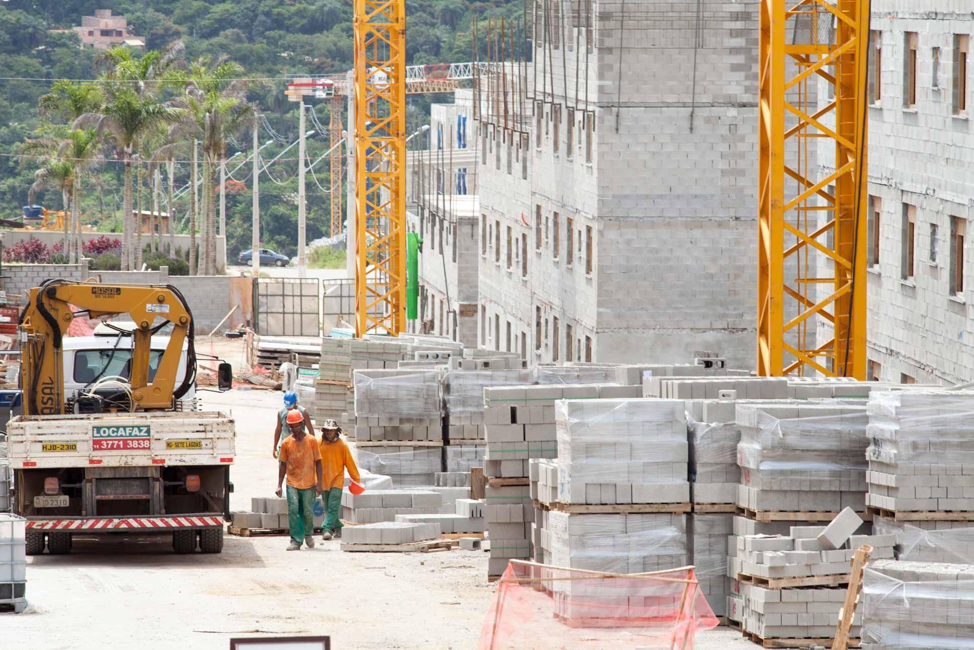 Lucro da MRV cai 8% no 3º trimestre, sob efeito do Minha Casa Minha Vida - Notícias - Plantão Diário