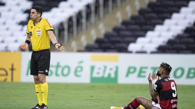 Gabriel Barbosa Gabigol expulso em Flamengo x Bahia