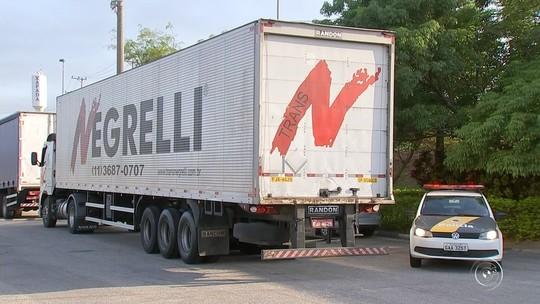 Polícia recupera carga de eletrônicos de quase R$ 500 mil roubada de caminhão