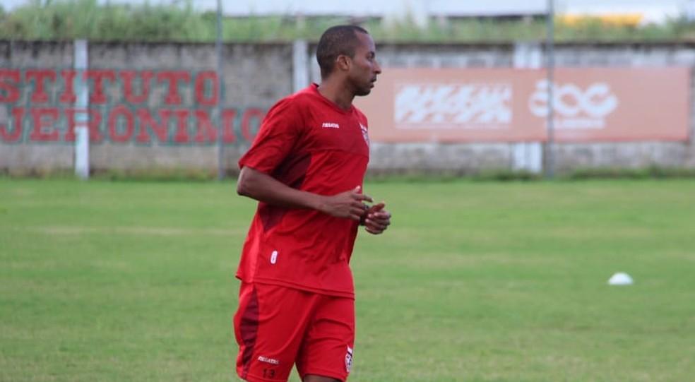 Willians Santana voltou a sentir dores na coxa direita e desfalca o Galo — Foto: Denison Roma/GloboEsporte.com