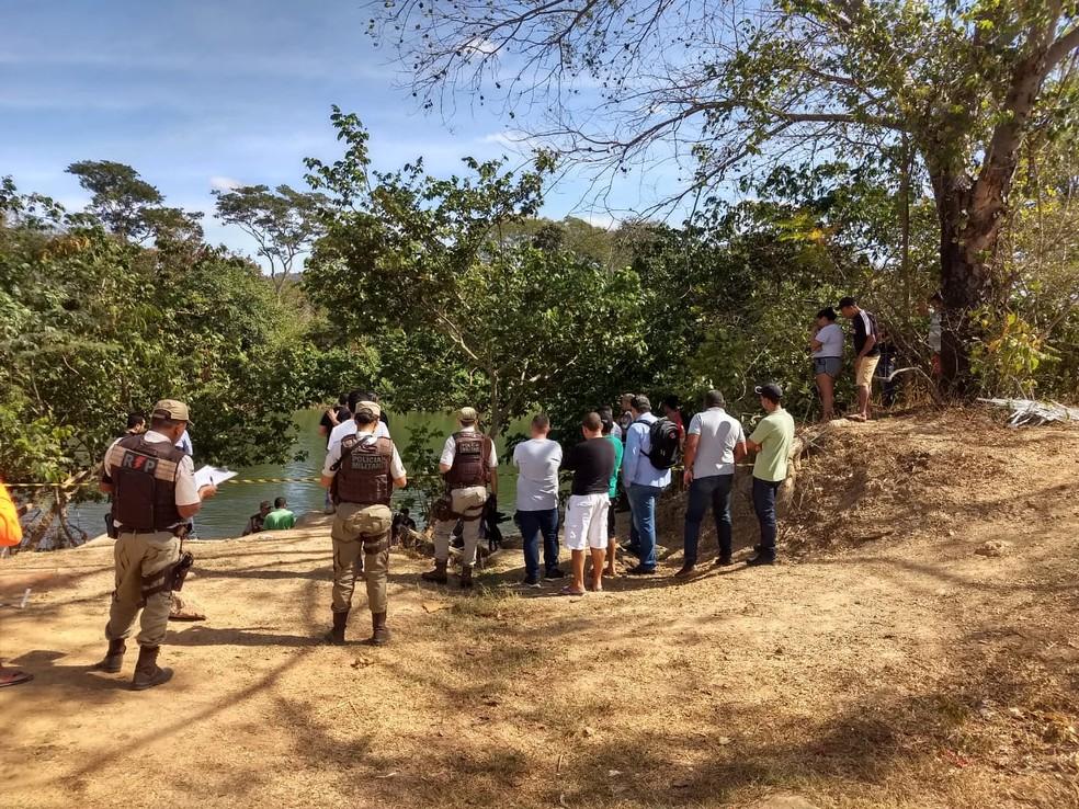 O jovem foi encontrado morto dentro do Rio Grande, em Barreiras — Foto: Divulgação/Gazeta 5