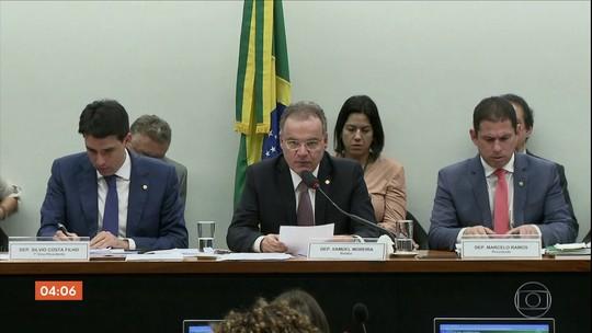 Relator da Reforma da Previdência apresenta parecer na Comissão Especial da Câmara