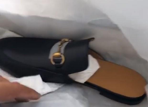 Sapato que Simone deu para Kaká Diniz (Foto: Reprodução)